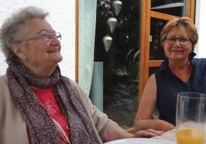 rentnerin, seniorenhilfe